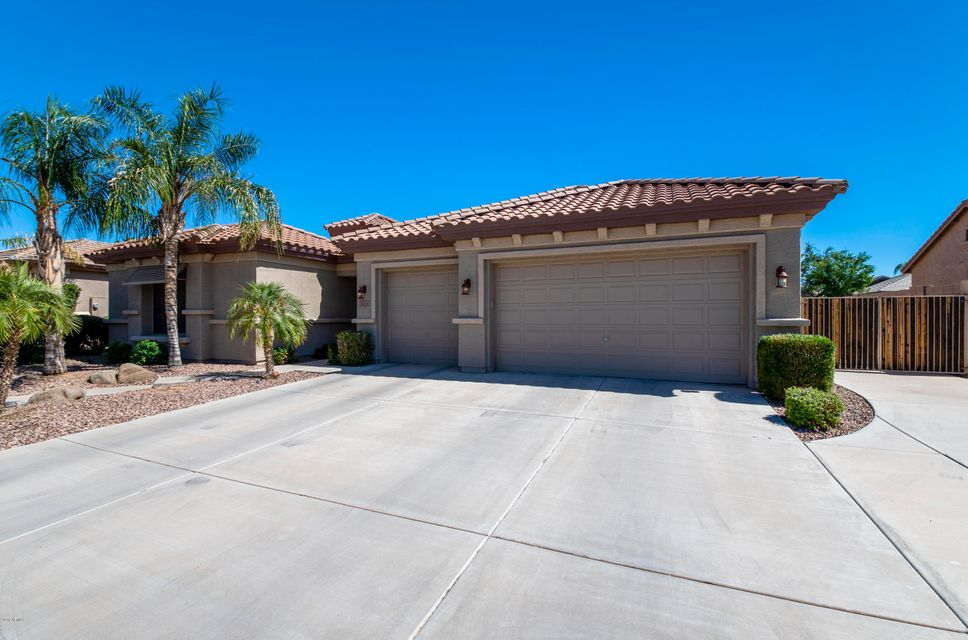 Photo of 2822 E WINGED FOOT Drive, Chandler, AZ 85249