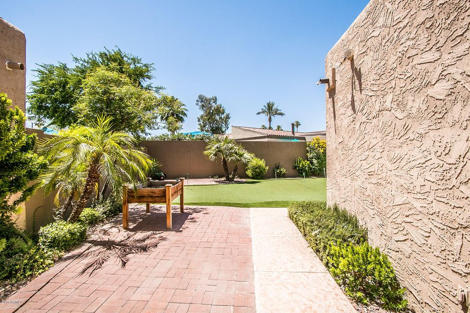 MLS 5768556 7302 E BERRIDGE Lane, Scottsdale, AZ 85250 Scottsdale AZ Briarwood