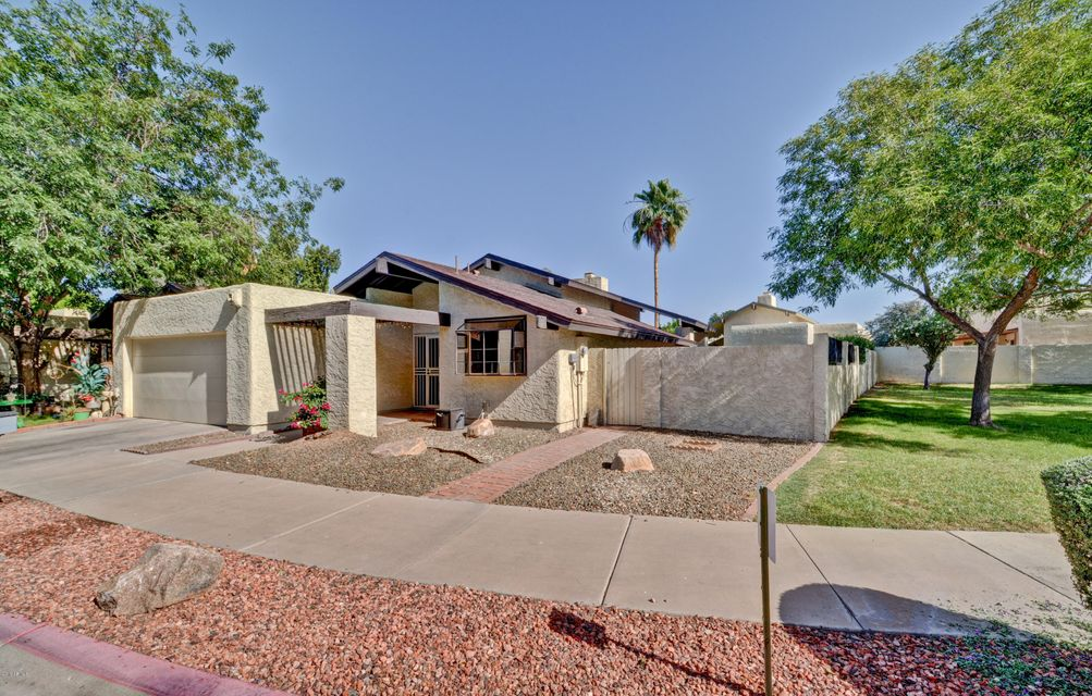 Photo of 2902 W SIERRA Street, Phoenix, AZ 85029
