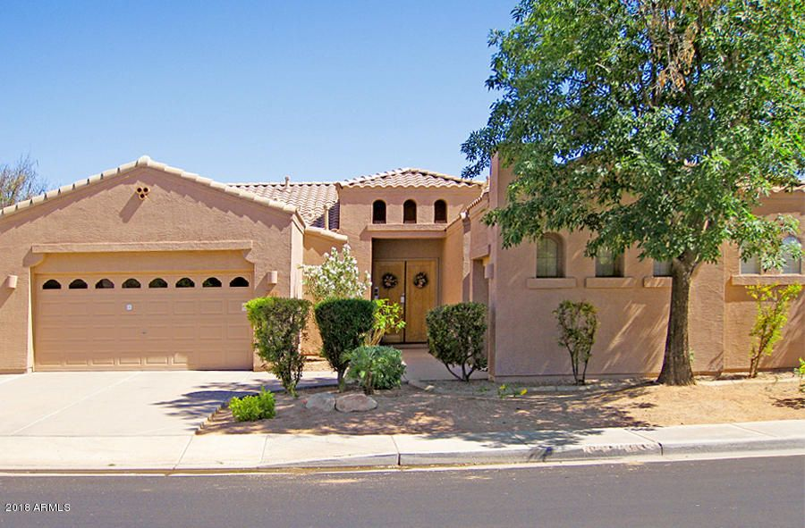 Photo of 563 W CAROB Drive, Chandler, AZ 85248