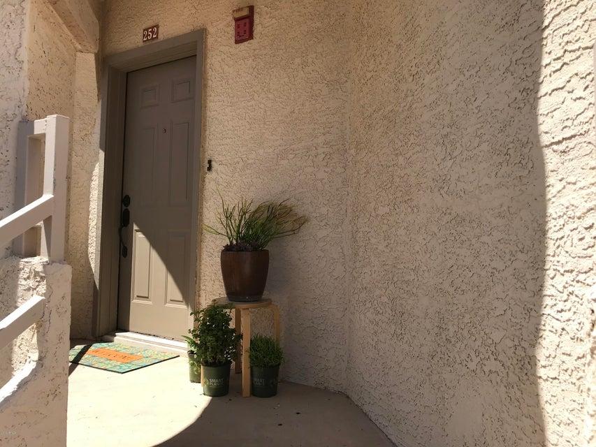 MLS 5768967 10080 E MOUNTAINVIEW LAKE Drive Unit 252 Building, Scottsdale, AZ Scottsdale AZ Waterfront