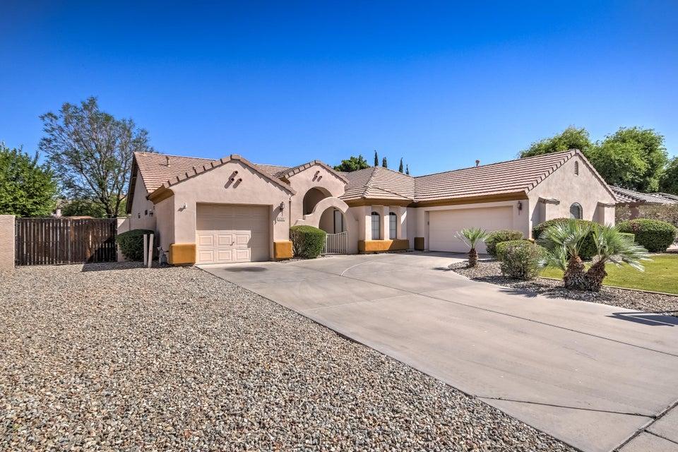 Photo of 5520 E HOLMES Avenue, Mesa, AZ 85206