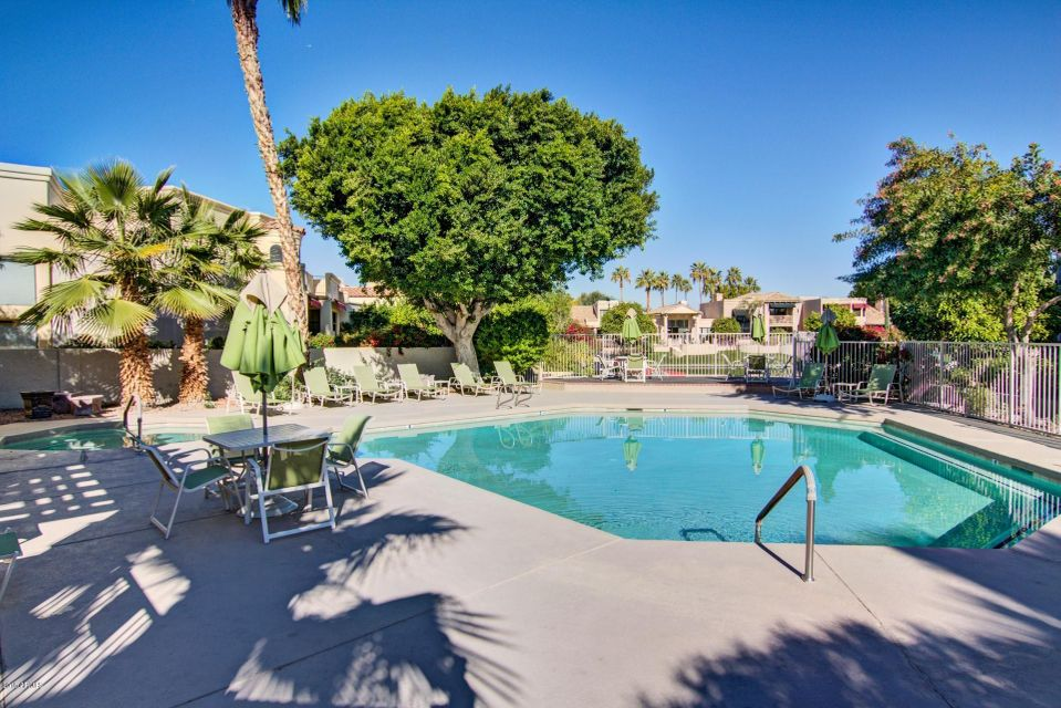 MLS 5768967 10080 E MOUNTAINVIEW LAKE Drive Unit 252 Building, Scottsdale, AZ 85258 Scottsdale AZ Gated