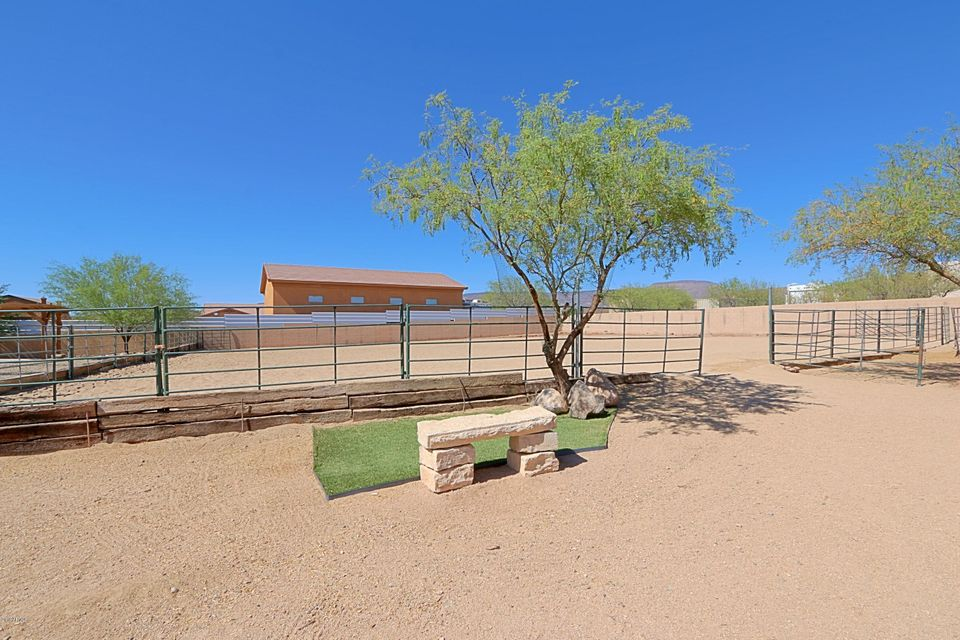 MLS 5772304 43917 N 16TH Street, New River, AZ New River Horse Property
