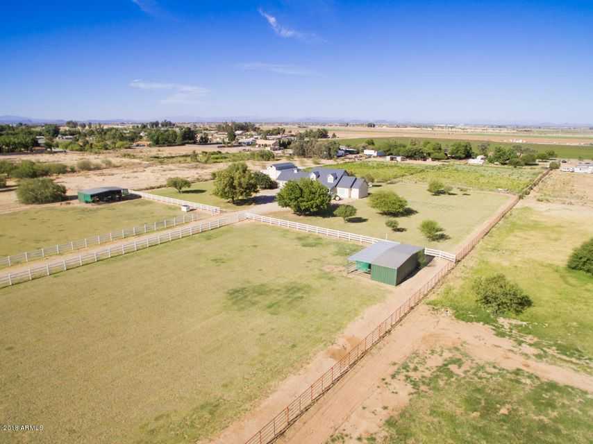 MLS 5692839 9433 N 175th Avenue, Waddell, AZ 85355 Waddell AZ One Plus Acre Home