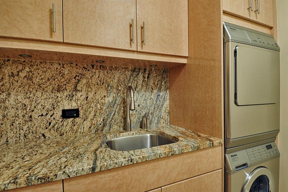 MLS 5775610 7117 E RANCHO VISTA Drive Unit 4011 Building 7117, Scottsdale, AZ 85251 Scottsdale AZ Optima Camelview Village