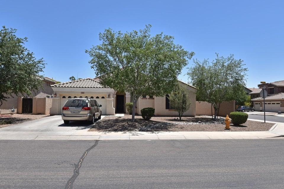 Photo of 3821 S EUCALYPTUS Place, Chandler, AZ 85286