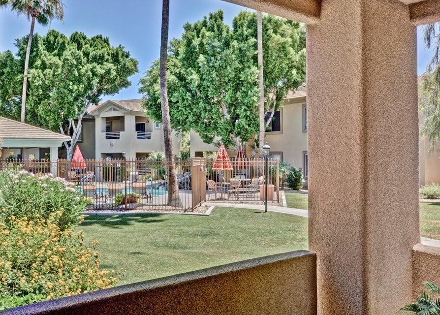 Photo of 7401 W ARROWHEAD CLUBHOUSE Drive #1007, Glendale, AZ 85308