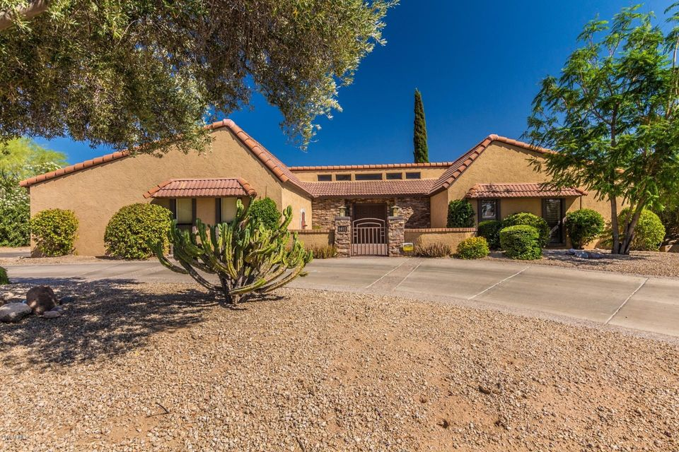 Photo of 9407 E CALLE DE VALLE Drive, Scottsdale, AZ 85255