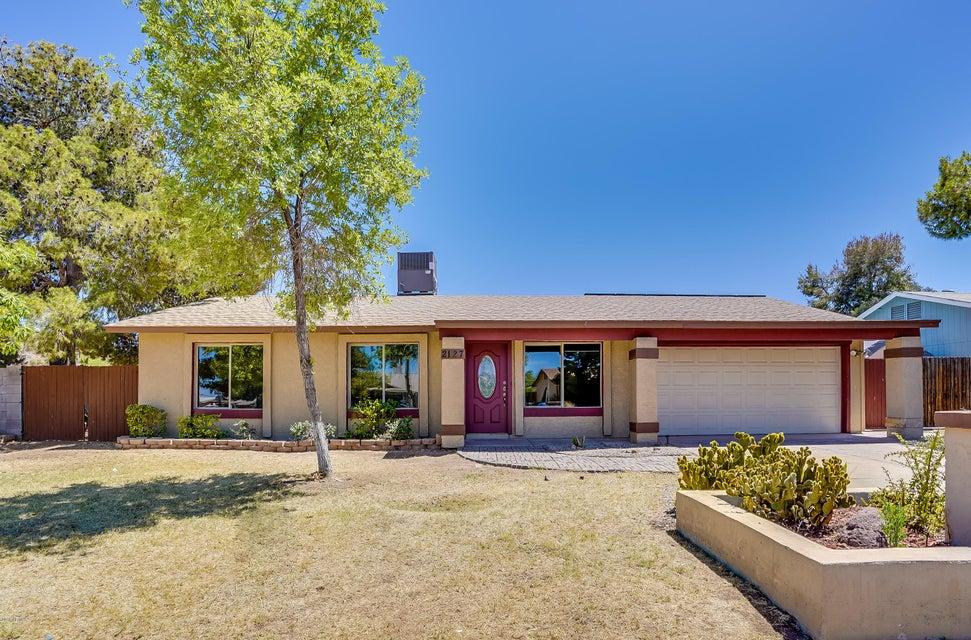 Photo of 2127 E CLAIRE Drive, Phoenix, AZ 85022