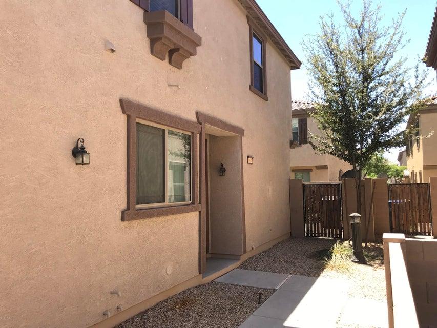 Photo of 8147 W LYNWOOD Street, Phoenix, AZ 85043