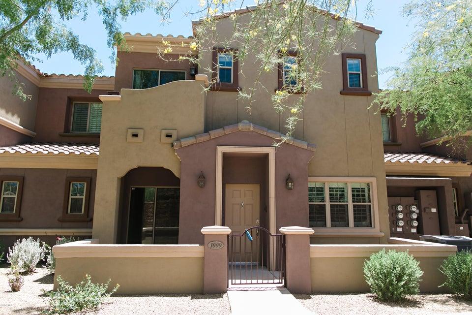 Photo of 3935 E ROUGH RIDER Road #1009, Phoenix, AZ 85050
