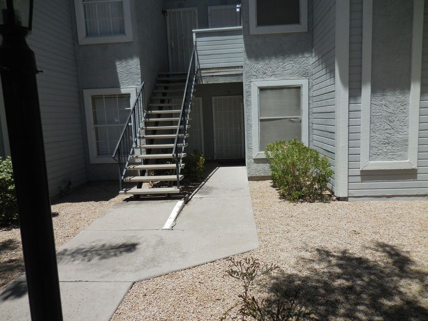 Photo of 2910 W MARCONI Avenue #121, Phoenix, AZ 85053