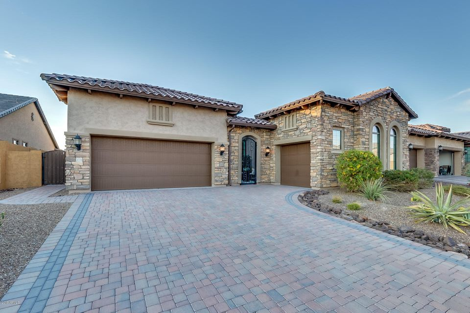 Photo of 2028 N STEELE Circle, Mesa, AZ 85207