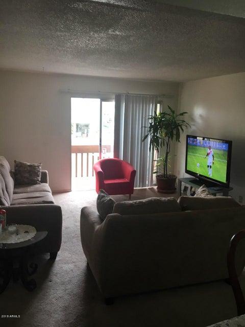MLS 5693546 1701 W TUCKEY Lane Unit 221, Phoenix, AZ Phoenix AZ Private Pool