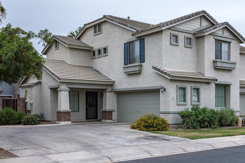 Photo of 3833 S CROSSCREEK Drive, Chandler, AZ 85286