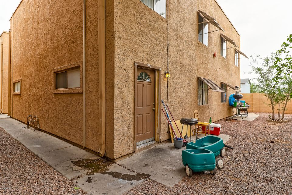 MLS 5782050 6302 N 64TH Drive Unit 18 Building E, Glendale, AZ Glendale AZ Gated