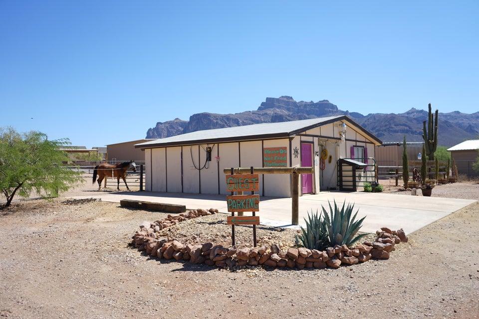 Photo of 5136 E 10TH Avenue, Apache Junction, AZ 85119