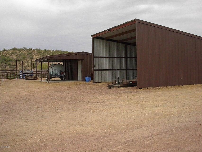 MLS 5785921 4945 W BLACK MOUNTAIN Road, Wickenburg, AZ Wickenburg AZ Equestrian