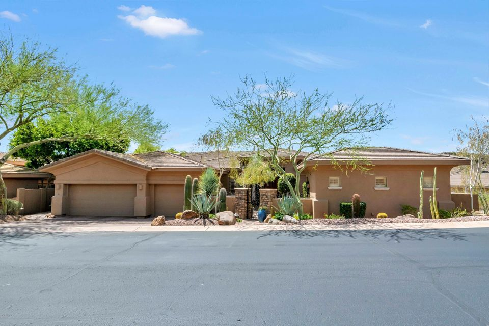211 E DESERT WIND Drive, Ahwatukee-Ahwatukee Foothills in Maricopa County, AZ 85048 Home for Sale