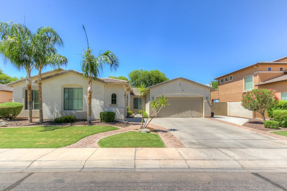 Photo of 3270 E HORSESHOE Drive, Chandler, AZ 85249