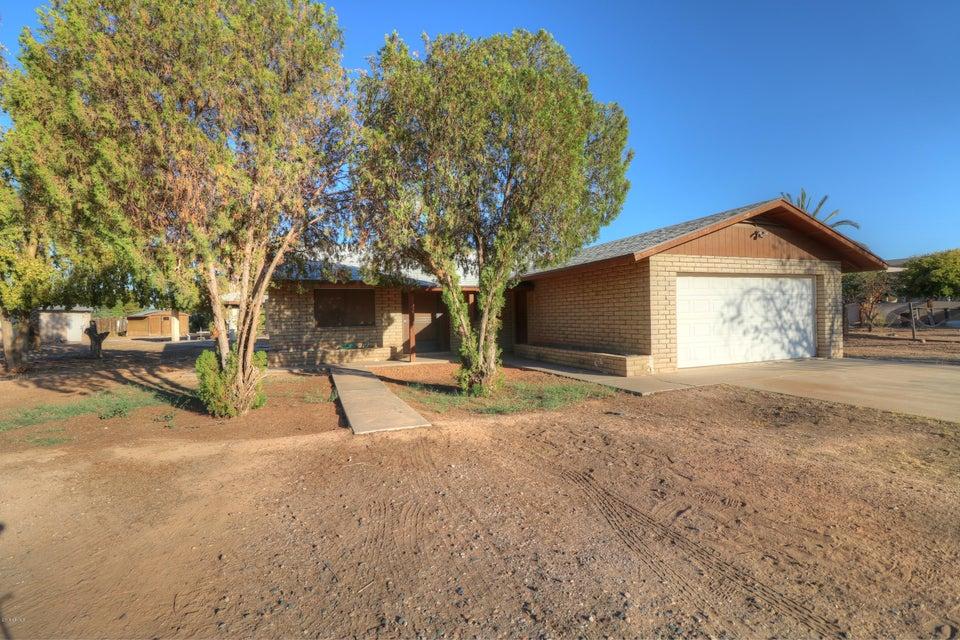Photo of 2139 S GILBERT Road, Gilbert, AZ 85295