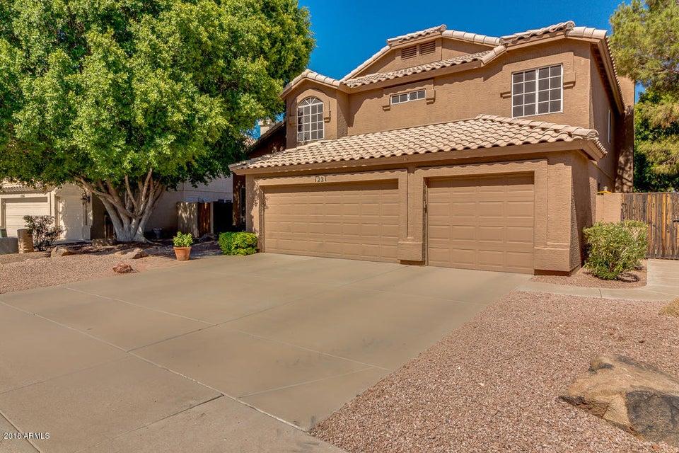 Photo of 1221 N KINGSTON Street, Gilbert, AZ 85233