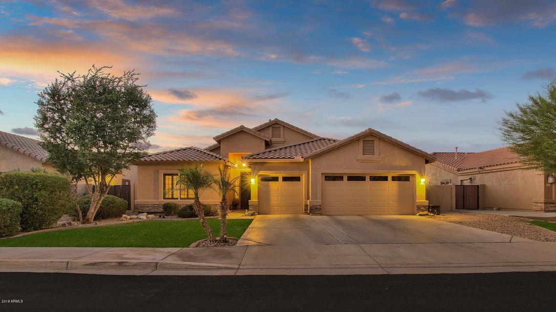 Photo of 838 E TEAKWOOD Drive, Chandler, AZ 85249