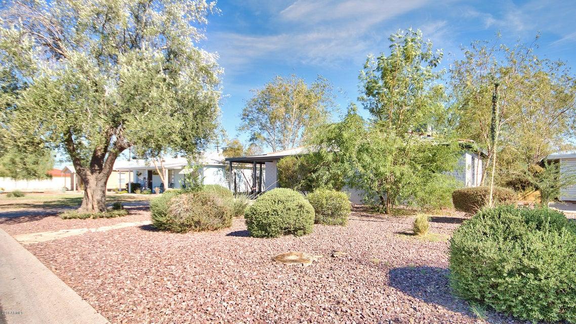 Photo of 2139 W MITCHELL Drive, Phoenix, AZ 85015