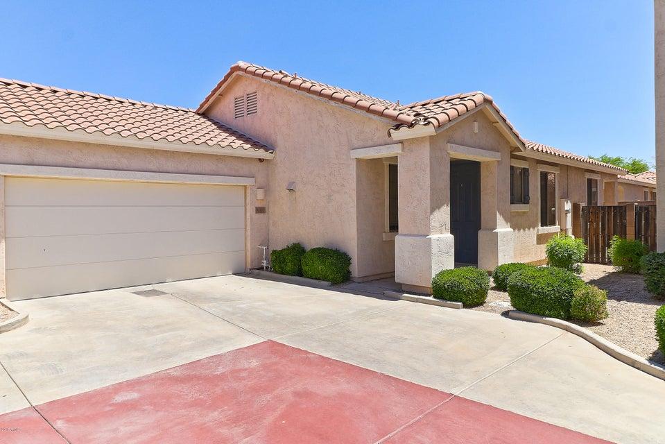 Photo of 948 E RANCH Road, Gilbert, AZ 85296