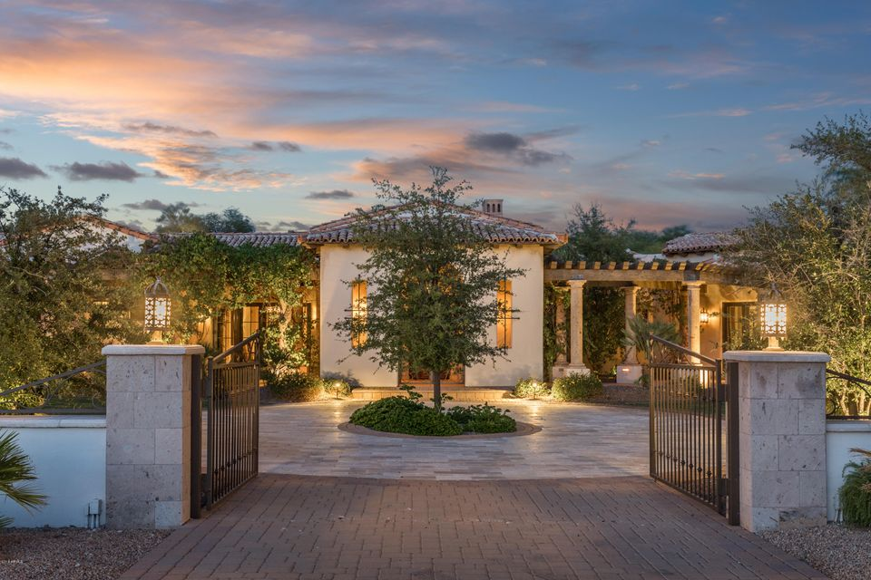 Photo of 6033 N 38TH Place, Paradise Valley, AZ 85253
