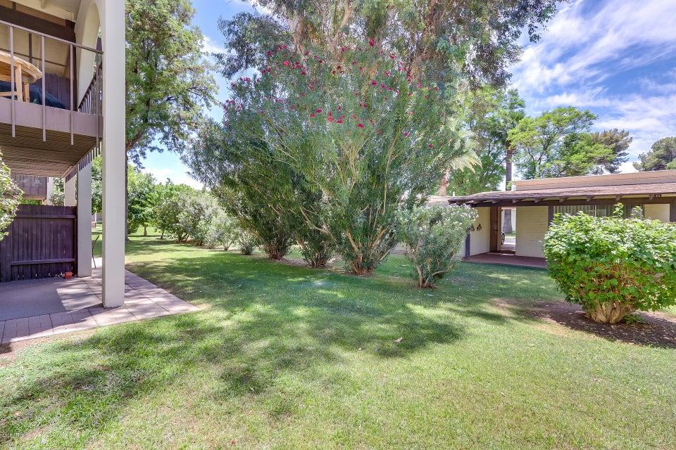 MLS 5789345 131 N HIGLEY Road Unit 116, Mesa, AZ 85205 Mesa AZ Dreamland Villa