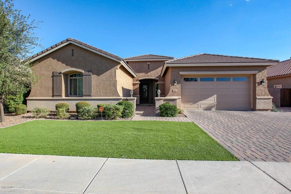 Photo of 681 W GRAND CANYON Drive, Chandler, AZ 85248