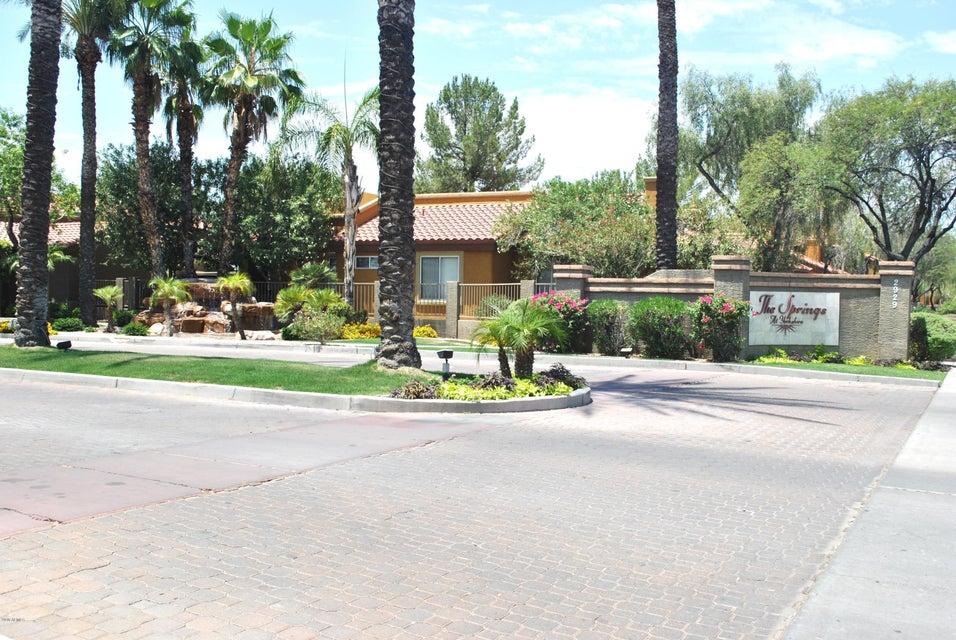 Photo of 2929 W YORKSHIRE Drive #1092, Phoenix, AZ 85027
