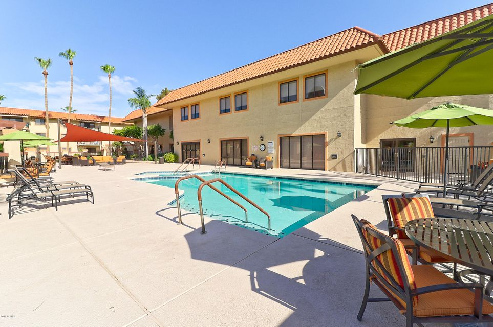 MLS 5791616 10330 W THUNDERBIRD Boulevard Unit B112, Sun City, AZ 85351 Sun City AZ Condo or Townhome