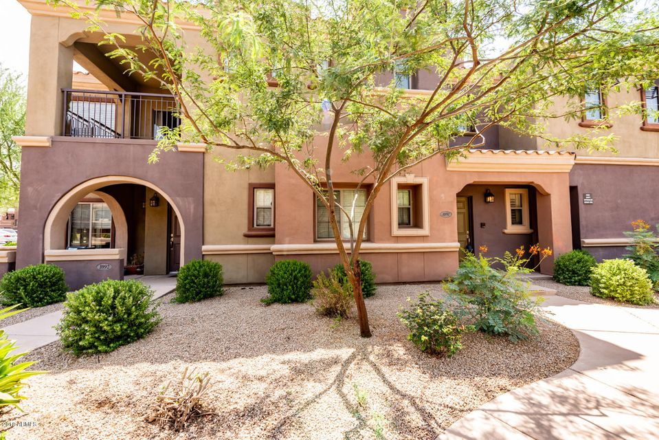 Photo of 3935 E ROUGH RIDER Road #1091, Phoenix, AZ 85050