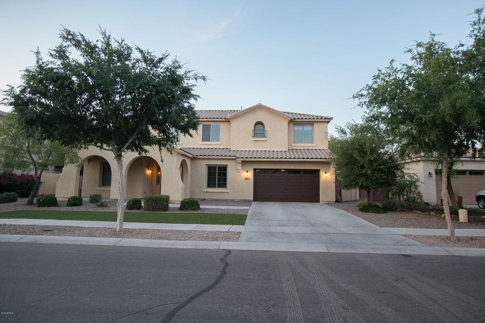 Photo of 2922 E JANELLE Way, Gilbert, AZ 85298