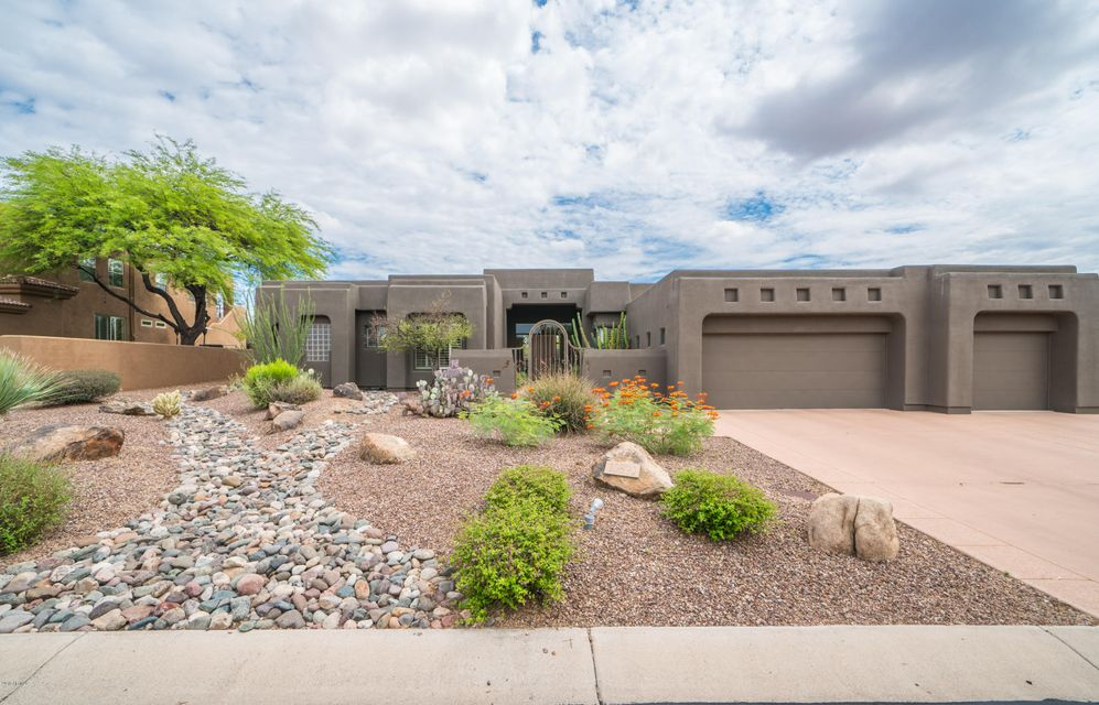 Photo of 10890 E Dale Lane, Scottsdale, AZ 85262