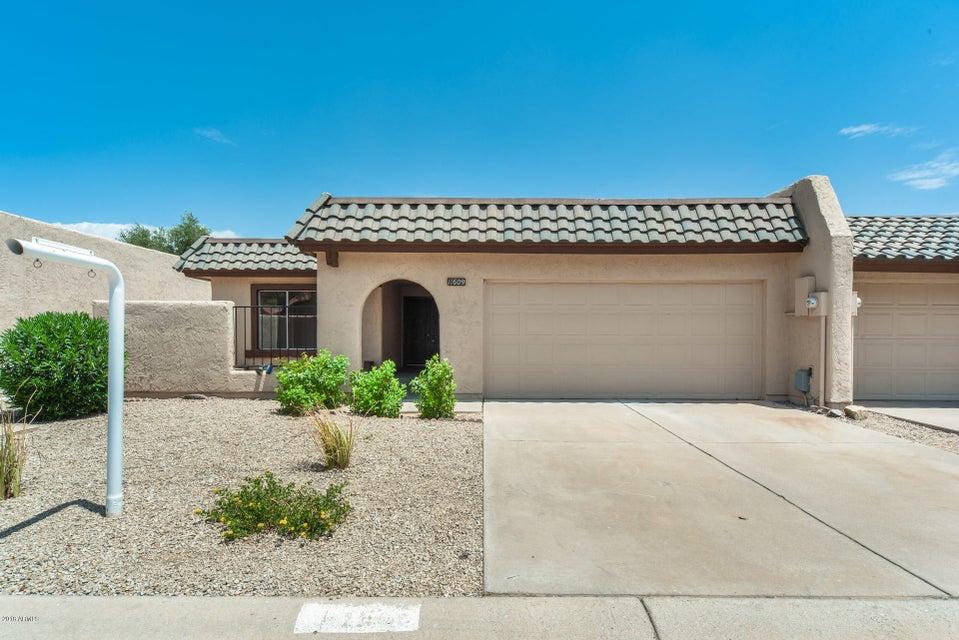 Photo of 11609 S MAZE Court, Phoenix, AZ 85044