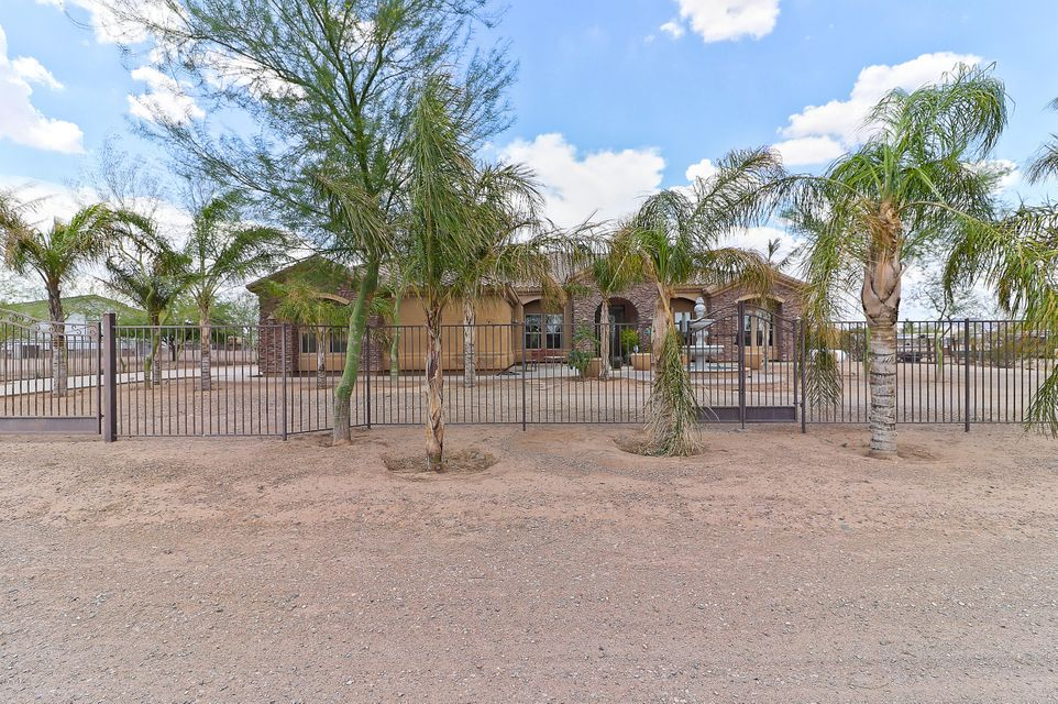 Photo of 18116 W ROY ROGERS Road, Surprise, AZ 85387