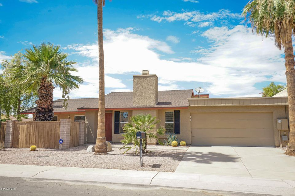 Photo of 8670 E DIAMOND Street, Scottsdale, AZ 85257