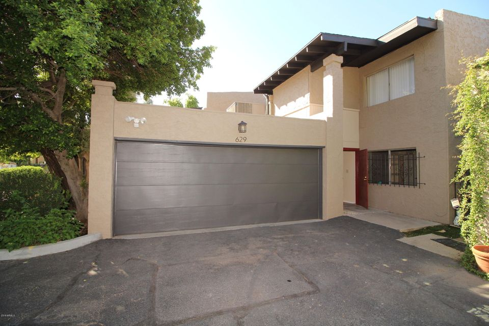 Photo of 629 E MANZANITA Place, Phoenix, AZ 85020