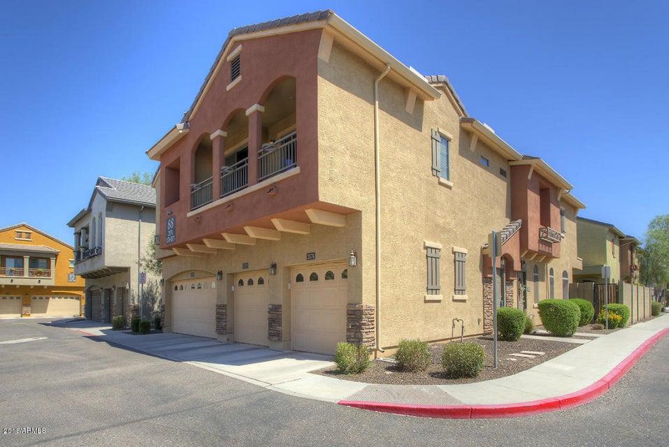 Photo of 2725 E MINE CREEK Road #2174, Phoenix, AZ 85024