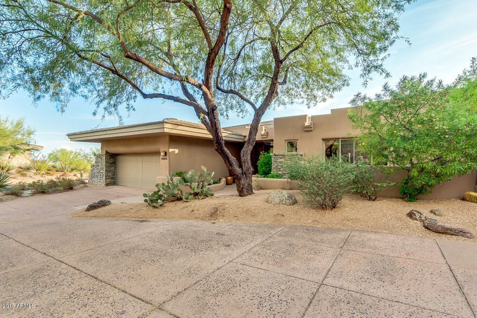 Photo of 10202 E OLD TRAIL Road, Scottsdale, AZ 85262