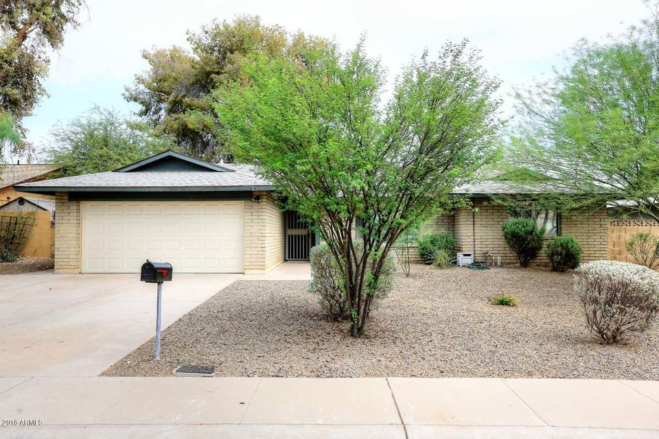 Photo of 614 E LODGE Drive, Tempe, AZ 85283