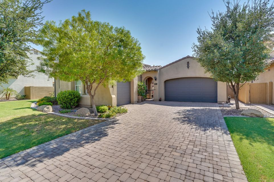 Photo of 4440 S ROSEMARY Place, Chandler, AZ 85248