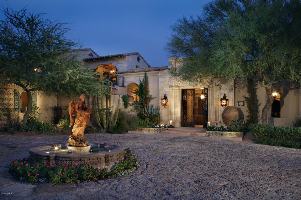 Photo of 6240 E CHOLLA Lane, Paradise Valley, AZ 85253