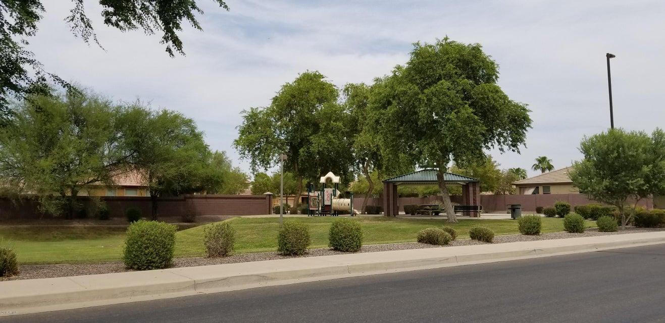 MLS 5804627 2947 E MERLOT Street, Gilbert, AZ Gilbert AZ Country Shadows