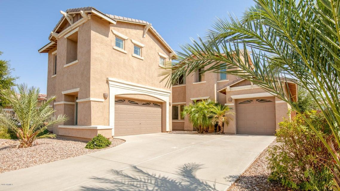 Photo of 653 E INDIAN WELLS Place, Chandler, AZ 85249