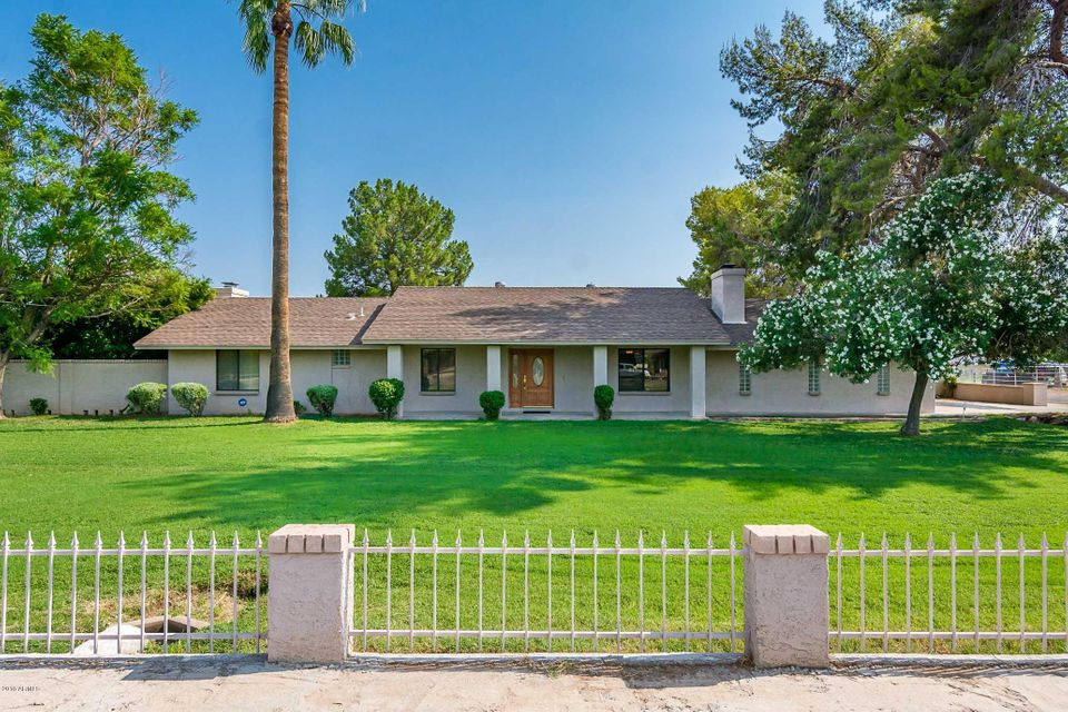 Photo of 3639 W YORKSHIRE Drive, Glendale, AZ 85308